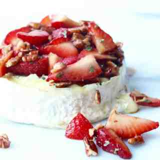 grilled brie with strawberries and soy balsamic glaze