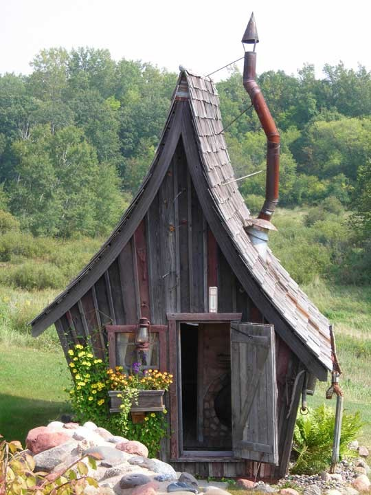 How To Build A ModernDay Outhouse  Off The Grid News