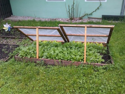 How To Build A Cold Frame Out Of Re-purposed 'Junk'
