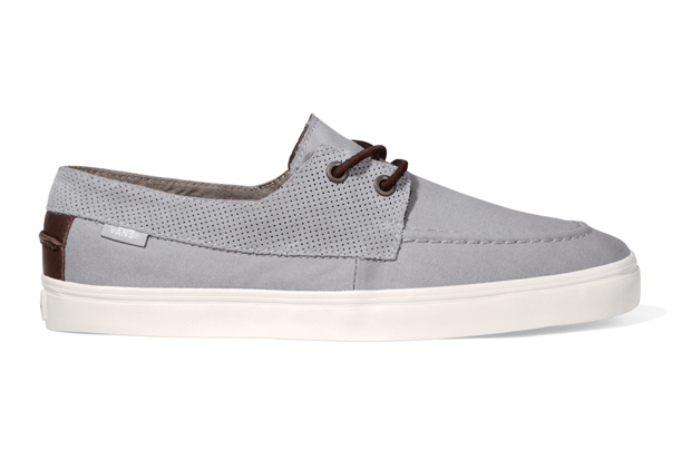 e6b146b042 The Zapato Gore CA is a new variation of the Zapato Del Barco from the Vans  California brand. Constructed in a mixture of lightweight canvas