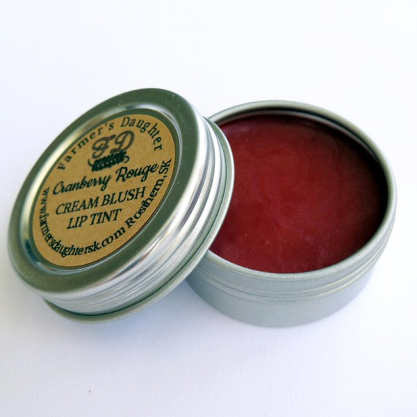 Plastic-free and made by awesome, earth-friendly individuals and brands, you can find zero waste gifts for every person on your shopping list. Like this plastic-free lip and cheek tint for the beauty lover in your life.