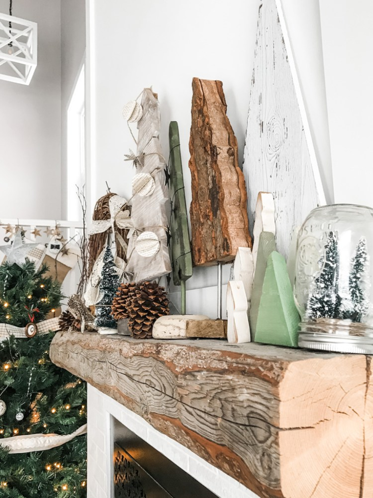 Want to create a lovely, calm space this holiday season? Here are three tips for incorporating simple and sustainable Christmas decor in your living room. First tip - let nature inspire you.