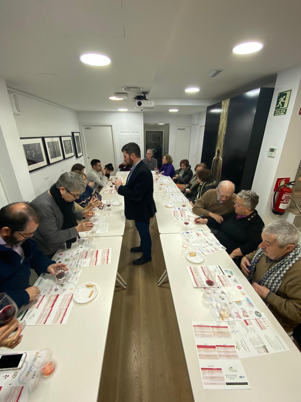 Presentación y cata de vinos de Vinícola de Tomelloso