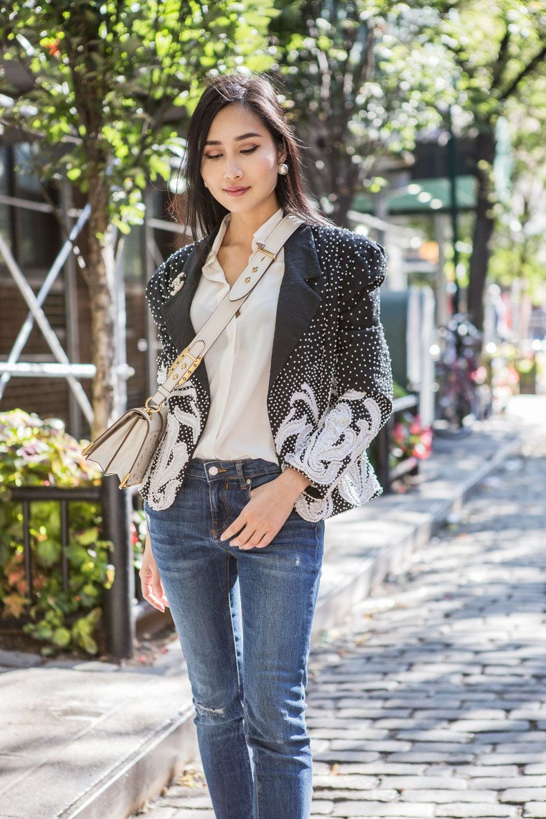 How to Shop Vintage Clothing | Ofleatherandlace.com
