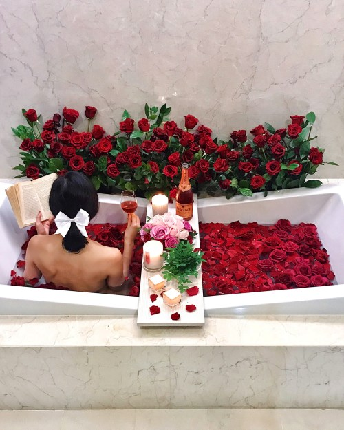 9 Days of Valentine - Day 1: Love Yourself   Of Leather and Lace - Fashion Blog by Tina Lee   rose bath, luxurious bath, bathtub goals, home decor, bathroom decor inspiration