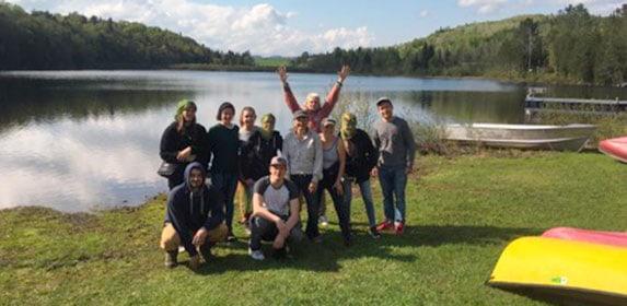 8 jeunes des missions locales de Pyrénées-Atlantiques en séjour d'immersion professionnelle au Québec avec le CD 64