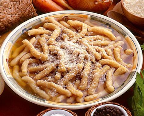 Frescarelli marchigiani in brodo  Cucina