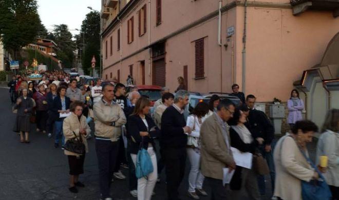La processione del 27 maggio scorso, in primo piano l'attuale sindaco Gianluca Bardone