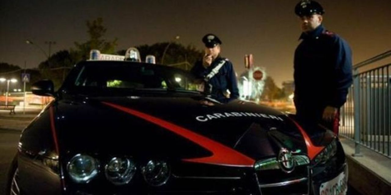 """Tre grammi di """"coca"""" nelle mutande, perquisito dai carabinieri e denunciato"""
