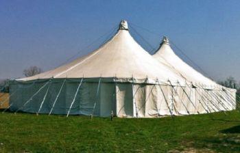 Al circo di elilu di Castelnuovo un apericena per finanziare due associazioni