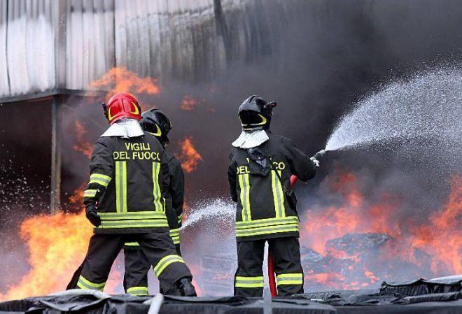 Incendio a Spinetta, l'azienda spiega e rassicura, così come la Prefettura e i pompieri