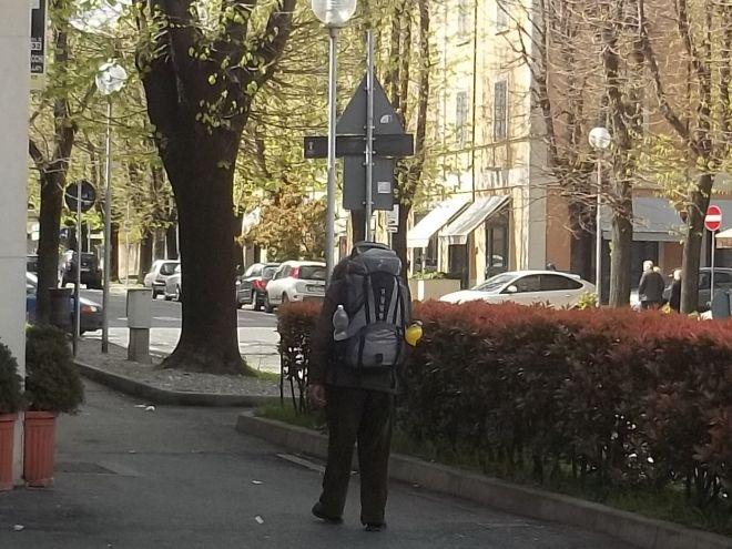 Il vagabondo - turista con lo zaino