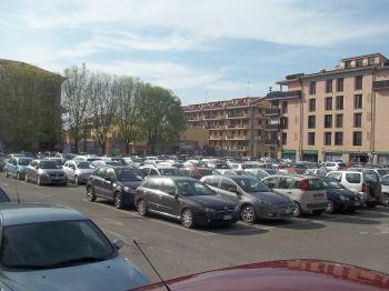 Arriva il Luna park in piazza Allende, spariscono i parcheggi a Tortona