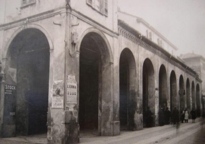 C'era una volta Tortona: I portici di Casali erano un monastero. Ancora oggi da aggiustare