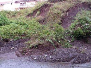 Fango e detriti sulla strada per Sarezzano, la Provincia chiude un tratto di 350 metri