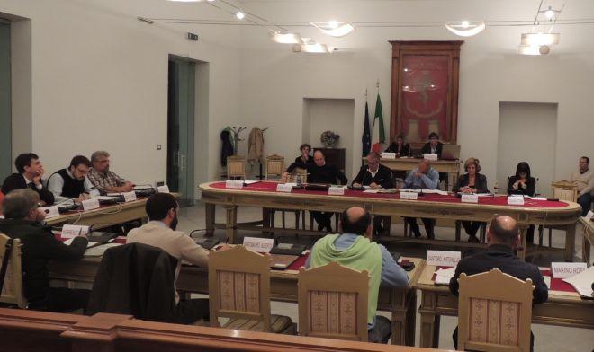 Il Comune di Tortona ribadisce i principi costituzionali democratici che garantiscono libertà di manifestare il proprio pensiero