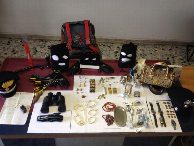 Valenza, i carabinieri bloccano due ladri di appartamento