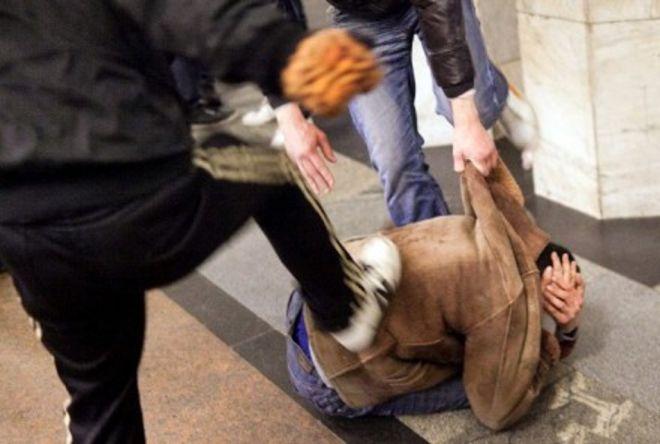 Pestaggio fra giovani in centro a Tortona, ma di una violenza da far paura