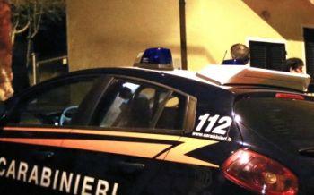 Ad Alessandria sparano raffiche di mitra contro un bar, la polizia indaga