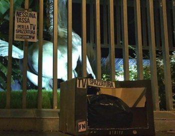 Forza Nuova protesta contro il canone Rai della Tv spazzatura