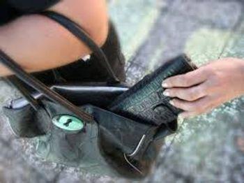 furto borseggiatrice scippo - Q