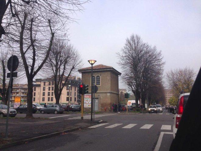 Lampioni accesi a Tortona alle 13: si cambiano lampadine o…..?