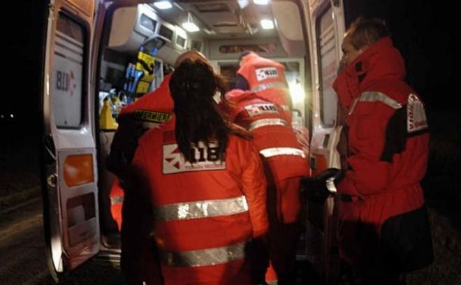 Doppio incidente stradale nella notte, con tre giovani ventenni feriti a Castellar Guidobono e Sale
