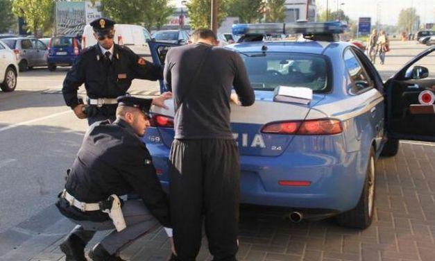 A Voghera un marocchino rapina una donna di 43 anni, arrestato dalla Polizia