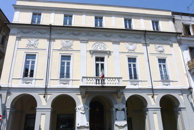 """La Biblioteca civica di Valenza ripropone l'iniziativa """"Dona un libro alla Biblioteca"""""""