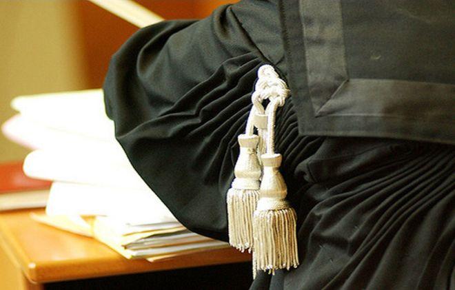 Tortona: cammina in strada, cade e chiede 4 mila euro di danni al Comune ma il Tribunale gli dà torto