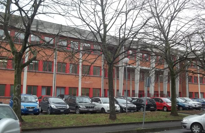 """Il preside del """"Marconi"""" di Tortona apre le porte della scuola e scrive agli studenti"""