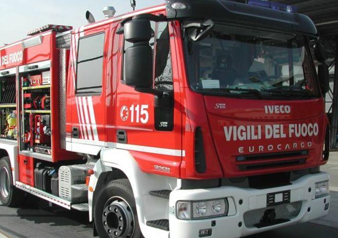 Alessandria, grave incendio in un negozio di idraulica in Spalto Rovereto