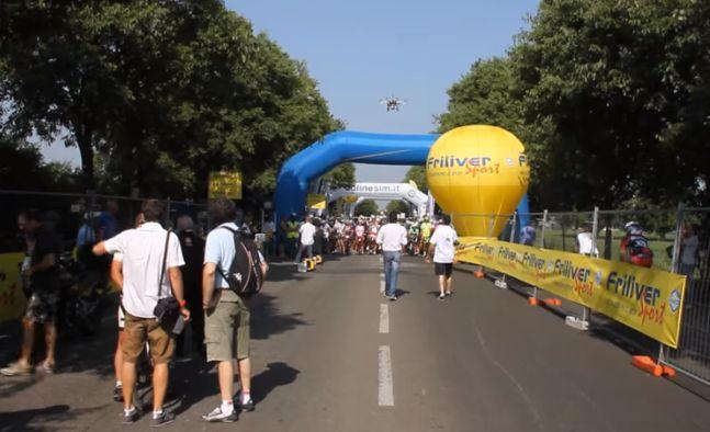 Peter Cevini al via della Vigneti Oltrepo Marathon di Voghera
