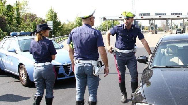 La polizia stradale di Acqui Terme sequestra una carrozzeria abusiva