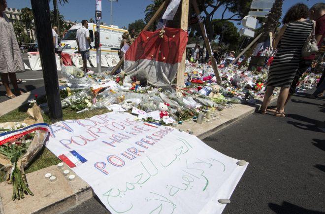 Due vogheresi vittime del terrorista di Nizza: proclamato il lutto cittadino