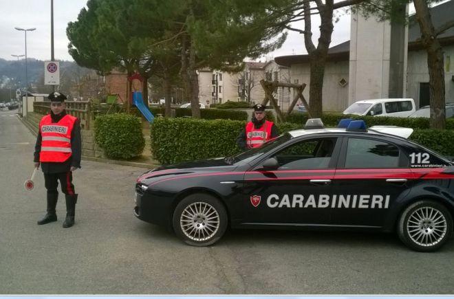 Ad Acqui terme due marocchini in manette per droga, a Ponzone 30enne distrugge formaggio