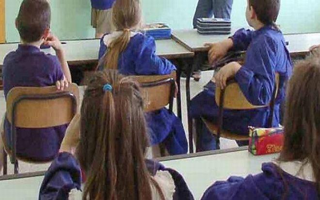 Nelle scuole del Golfo Dianese gli alunni della scuola media possono uscire e tornare a casa da soli a condizione che i genitori li autorizzino sollevando al scuola da ogni responsabilità