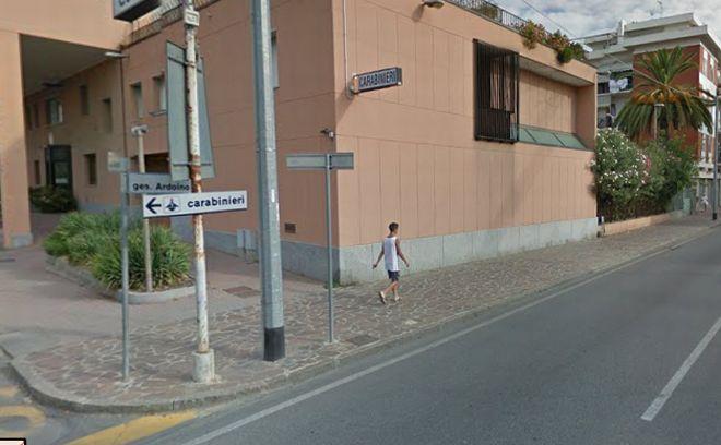 I carabinieri di Diano Marina hanno bloccato due imperiesi con un motorino rubato in città