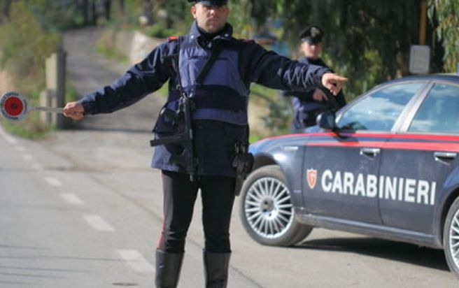 Castellazzo Bormida, italiano guida l'auto che i Carabinieri gli avevano sequestrato e viene denunciato