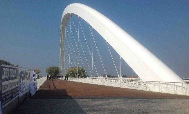Ad Alessandria giovane ventenne aggredito nei pressi del ponte Meier, è grave