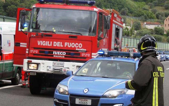 Incidente alla periferia di Tortona: una donna entra in un giardino con l'auto. Ricoverata in ospedale
