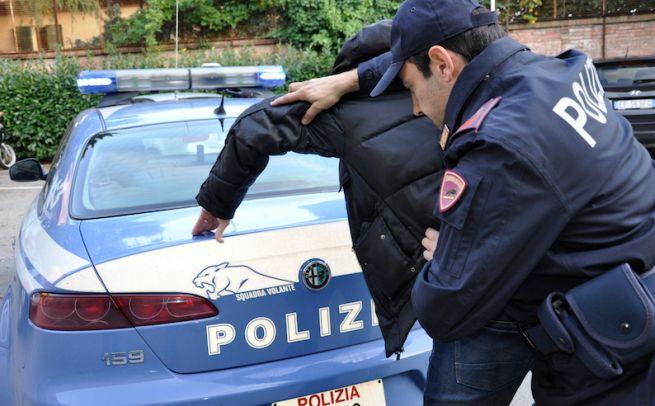 Ad Alessandria un albanese accoltella connazionale, arrestato da una Volante della Polizia