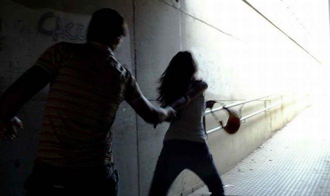 Rapina una ragazza in via Guasco ad Alessandria, africano arrestato dalla Polizia