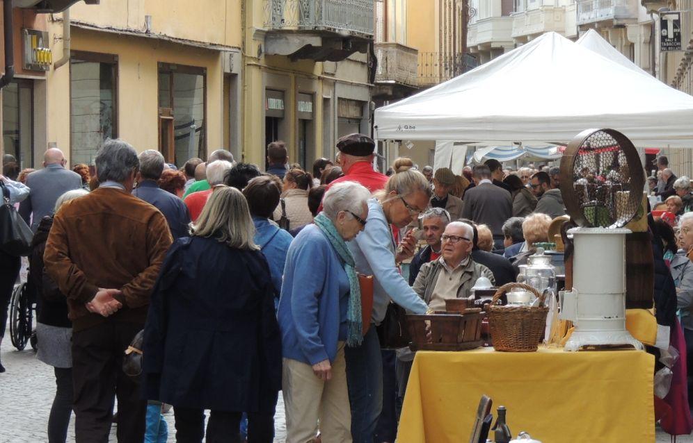 Domenica a Tortona ultima edizione dell'anno di Cantarà e Catanaj