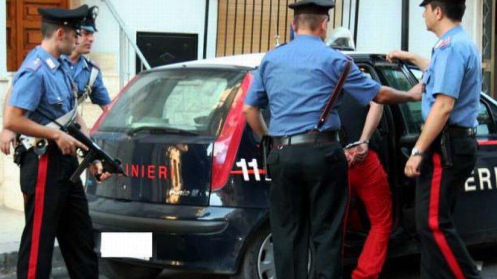 Ventimiglia, non si ferma all'alt e aggredisce i carabinieri, arrestato un giovane italiano