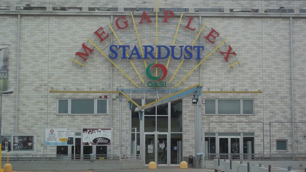 """""""Restiamo amici """" al Megaplex Stardust di Tortona sino al 10 luglio a prezzo ridotto grazie al Circolo del Cinema"""