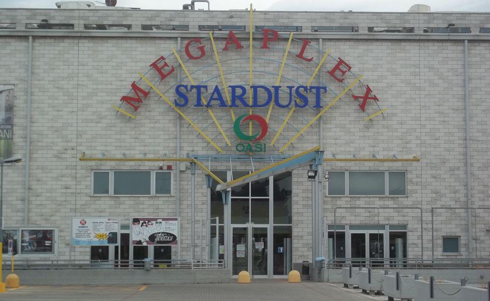 """""""Gli sdraiati"""" al Megaplex Stardust di Tortona fino al 29 novembre a prezzo ridotto grazie al Circolo del Cinema"""