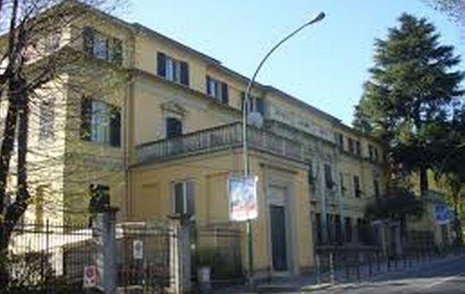 Furibonda discussione a Novi Ligure per il plesso scolastico Oneto che il Comune vuole vendere