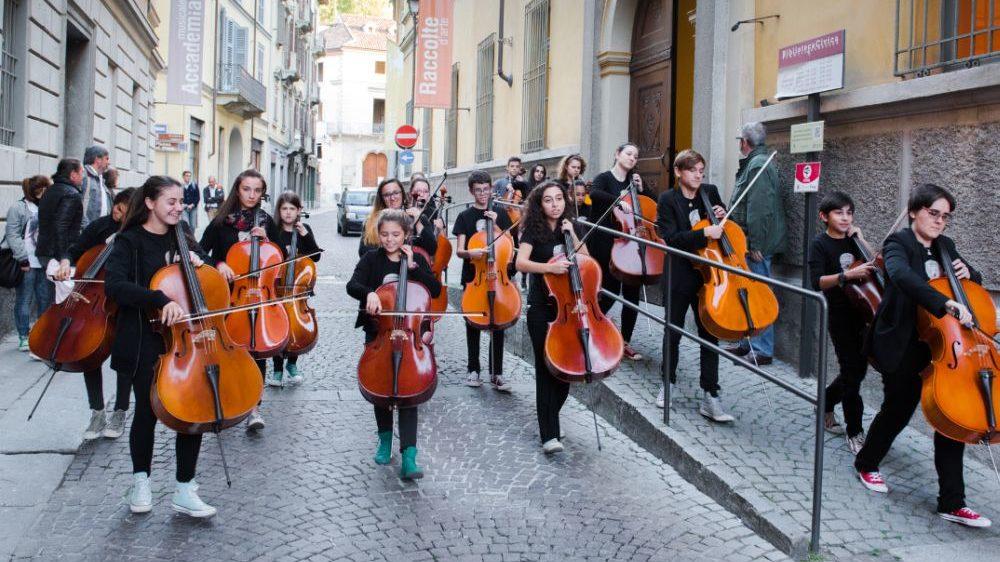 Domenica a Tortona arrivano le Invasioni Musicali con 300 musicisti che suoneranno dalle 17 alle 23 in 13 postazioni