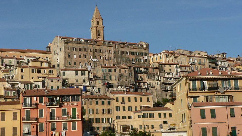 Bambini francesi si perdono al mercato di Ventimiglia i carabinieri rintracciano i genitori e riuniscono le famiglie